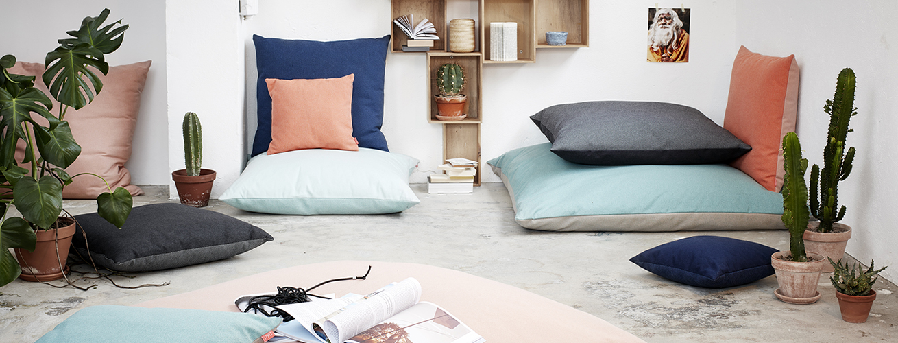 Living Room With Floor Pillows - [peenmedia.com]